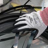 多给力WG-777CF防切割耐油耐磨手套