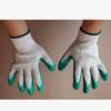 厂家直销10针纱线绿胶手套耐磨防滑小平板手套出口品质平胶手套