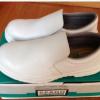 现货供应防砸防静电安全鞋白色防砸劳保鞋防滑厨工鞋厂家批发价