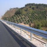 创亿护栏 厂家直销运城高速公路护栏 W形镀锌护栏板 波形防撞护栏