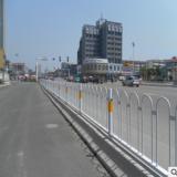 市政道路护栏交通隔离栏杆 城市公路马路分隔护栏 隔离带围栏