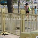 天安门镀锌莲花护栏 道路交通黄色隔离设施 市政防眩目栏杆