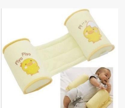 西松屋婴儿睡姿定型枕 纠正扁头 防侧翻枕 黄色小鸡儿童枕头 批发