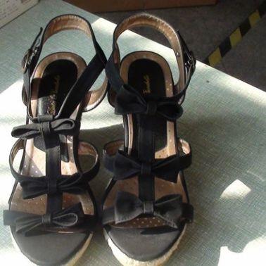 库存甩货日单女式凉鞋、单鞋、拖鞋等