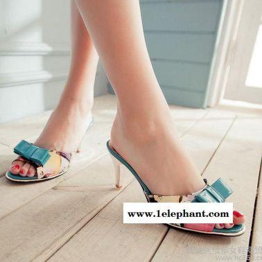 代发夏季新款凉拖鞋梦幻印花漆皮蝴蝶结高跟一字凉拖鞋
