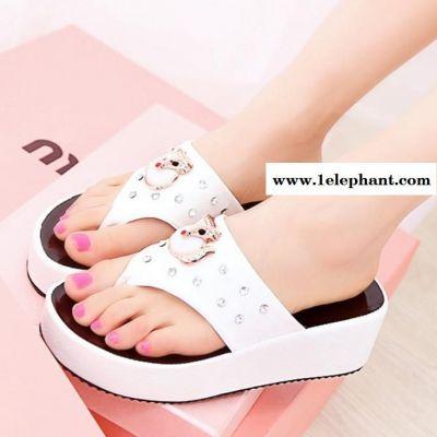 夏季新款中跟水钻夹趾人字拖鞋坡跟厚底防滑夹拖沙滩舒适女凉拖鞋