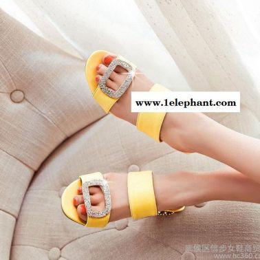 代发货夏季新款凉拖鞋水钻大方扣露趾凉拖鞋镂空跟一字拖女鞋