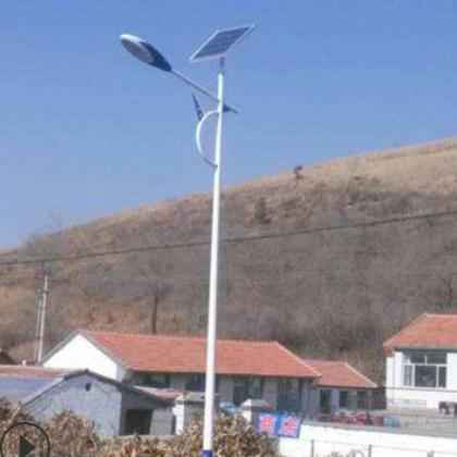7-8米的太阳能路灯全套 配45瓦的LED光源锂电池 厂家直销
